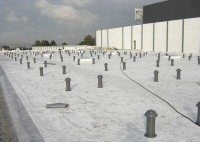 Flachdachabdichtung mit Sikaplan PVC Kunststoff-Dachbahnen mechanisch befestigt in Blomberg