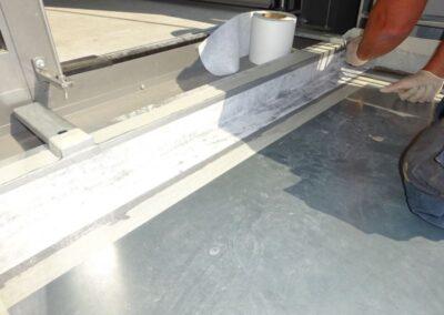 1. Arbeitsschritt : Balkonfugenabdichtung mit Flüssigkunststoff Enkopur in Lemgo