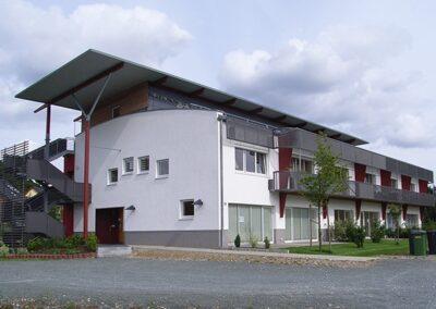 Flachdachabdichtung einer Wohnanlage mit Elastomerbitumen-Schweissbahnen in Detmold