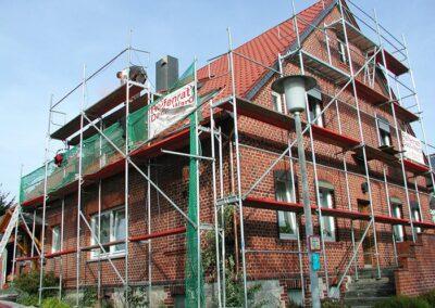Dacheindeckung mit Ton-Hohlfalzziegeln
