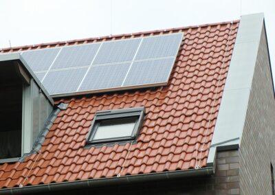 Velux Dachfenster mit Solarrolladen in Dörentrup
