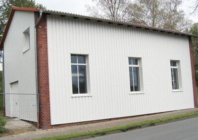 Fassadenbekleidung mit Stahltrapezblechen in Dörentrup