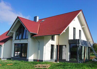Dacheindeckung mit glasierten Tondachziegeln