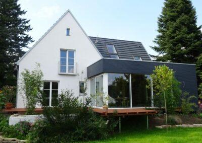 Dacheindeckung eines Wohnhauses mit Creaton Glattziegeln DOMINO