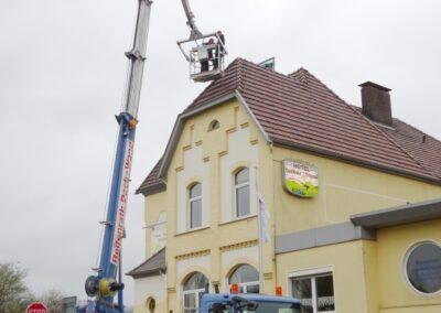 Sturmschadenreparatur mit Arbeitsbühne in Dörentrup