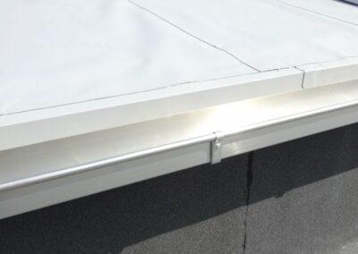Dachrinne mit Halter aus Aluminium