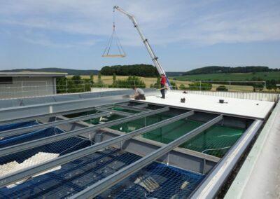 Dacheindeckung mit wärmegedämmten Ondatherm Isodachelementen im Extertal