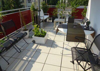 Plattierung einer Dachterrasse mit höhenverstellbaren Plattenlagern in Detmold
