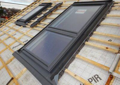 Velux Dachfenster mit Zusatzelement bei einer Dachsanierung in Lemgo