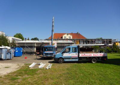Dacheindeckung einer Fahrzeughalle mit Isodachelementen in Lemgo